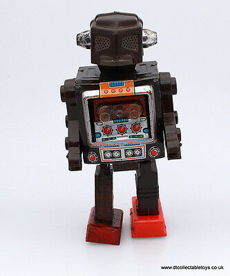 Horikawa (Japan) MR ZEROX Battery Operated ROBOT in Displayable Condition