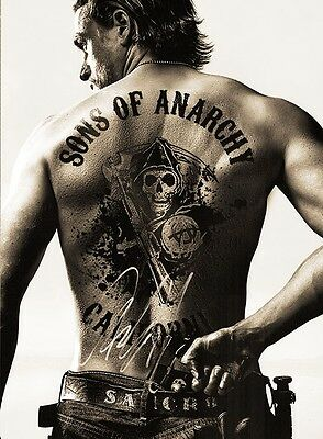 Charlie Hunnam    SCRIPT  / SCREENPLAY SONS OF ANARCHY  CHRISTMAS PRESENT