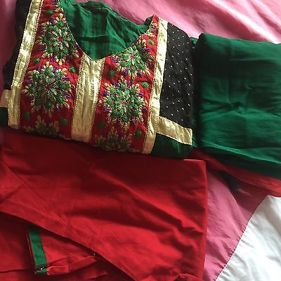 New Salwar Kameez Indian Suit Red Gold Green Pretty Size 12 Party Wedding