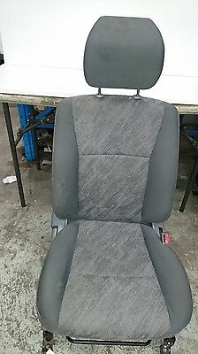 Toyota Landcruiser 100 Series Right Front Seat #57750