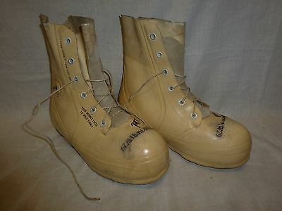 Bata Cold Weather -30° MICKEY MOUSE BUNNY BOOTS  WHITE 9 Regular #19