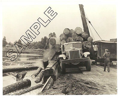 1940s STERLING H Model Unloading Logs in Pacific Northwest 8x10 B&W GLOSSY PHOTO