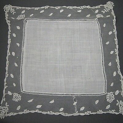 Antique Victorian Lace trimmed linen handkerchief Early 19 Century