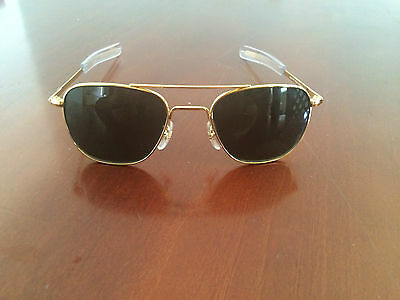 American Optical Original Pilot Sunglasses, Con Funda