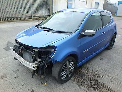 2009 clio 1.6 GT alloy wheel nut, car breaking for spares