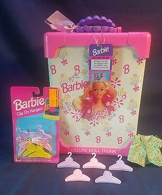 Vintage 1994 Barbie Deluxe Doll Trunk Carrying Case Pink WITH TAG & NEW HANGERS