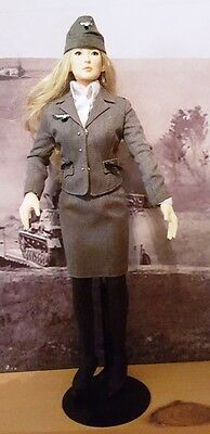 1/6 unknown German Wehrmacht Auxillary Female - Wehrmacht Helferin (Figure Stand