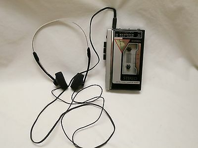 Vintage Sanyo MGR60 MGR-60 AM/FM Portable Stereo Radio Cassette Player Personal