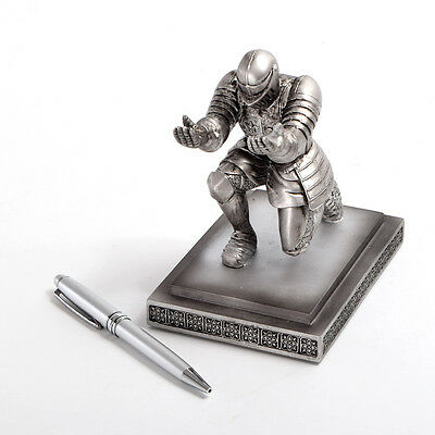 Medieval Pen Stand Resin Medieval Knight Armor Soldier Pen Holder With Pen Hero
