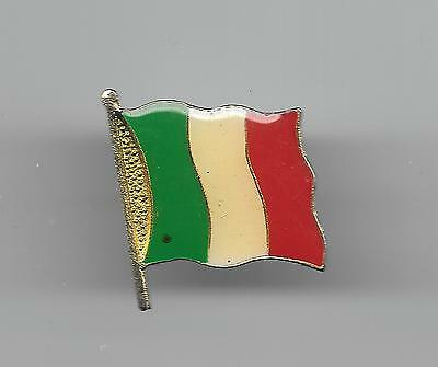 Vintage Flag of Italy small old enamel pin