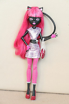 Monster High Puppe Catty Noir New Scare Mester Scaremester