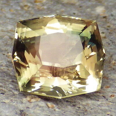 GOLD-GREEN SCHILLER OREGON SUNSTONE 3.45Ct FLAWLESS-FOR BEAUTIFUL JEWELRY!!