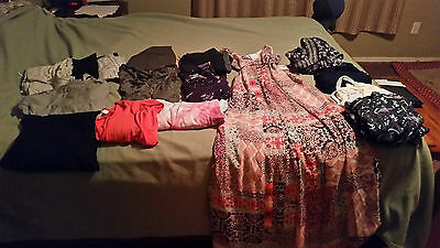 Maternity Clothes lot, shirts and capris, size Large