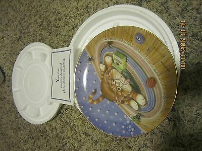 Danbury Mint Comical Cat Plate - Happiness by Gary Patterson - New in box
