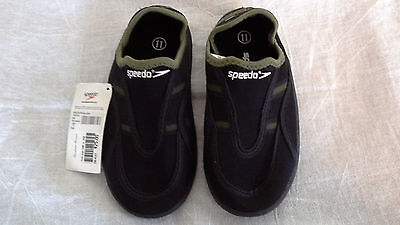 Speedo Kids Surfwalker Shoes Black/with Ollive trim size 4, New with Tags