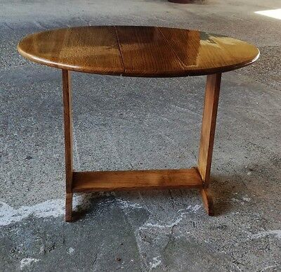Pembroke Oak Drop Leaf Side Table - excellent condition