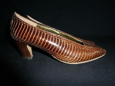 J. RENEE - 1940s Ladies Size 5  1/2 M Brown Snakeskin Shoes With Box Base