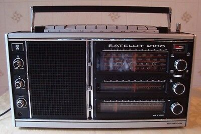 GRUNDIG Satellit 2100 Radio Weltempfänger World Band Receiver