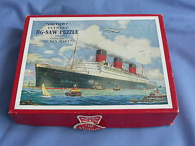 R.M.S. QUEEN MARY CUNARD LINER  VICTORY JIGSAW PUZZLE CIRCA 1940s.
