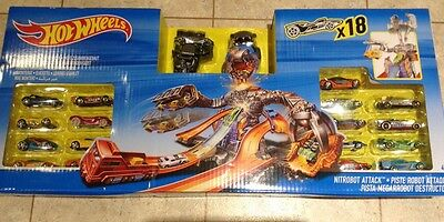 Hot Wheels Nitrobot Attack Deluxe Set - Includes 18 Cars!! New And Unused
