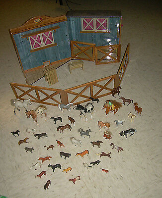 only hearts club horse Stable Barn  with 41 toy horses 1 Rider