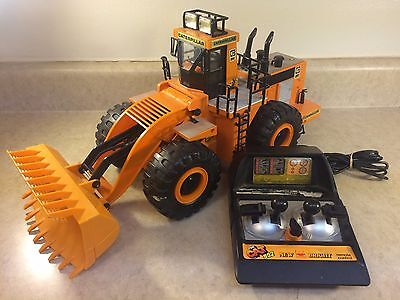 Vintage 1986 New Bright Caterpillar CAT 992 Front Loader Wired Remote RC TESTED