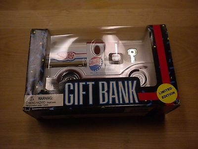 Vintage Pepsi-Cola Toy Delivery Truck Gift Bank 1993 Golden Wheel