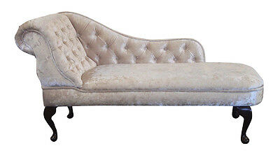 Chaise Longue in a Luxurious Light Beige Crushed Velvet Fabric