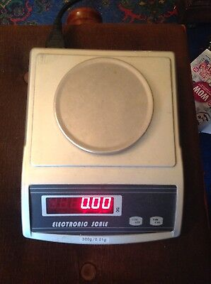 ELECTRONIC SCALES 300g/0.01g