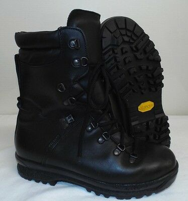 ECW BLACK LEATHER EXTREME COLD WET WEATHER GORE-TEX BOOTS - 8 L , British Army