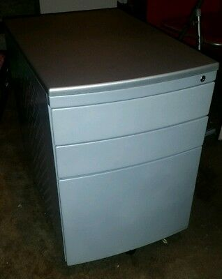 Small Metal 3 Drawer Filing Cabinet with lock