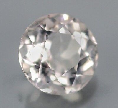 MORGANIT  -  ROUND FACET  -  5,5 mm  -  0,52 ct.