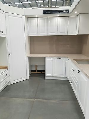 ex display kitchen brand new high quality