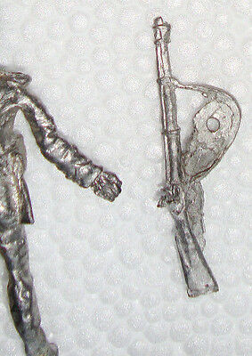 MINIATURE METAL SOLDIER RIFLE WITH ARM ACCESSORY NAPOLEON  INFANTRY 72mm 1:32