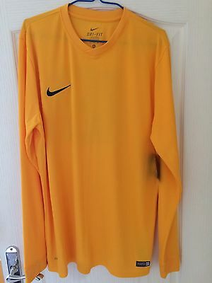 Brand New In Don't Miss Out !! - Mens Nike Football Kit