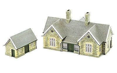 Hornby Granite Station Building R9836 OO Scale (suit HO also)