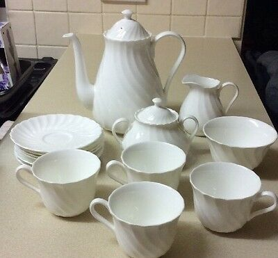 Wedgwood Candlelight Coffee Set With 4 Cups And Saucers