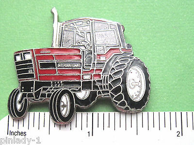 INTERNATIONAL HARVESTER  field tractor - hat pin , lapel pin  GIFT BOXED