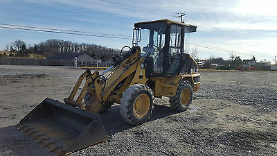 2004 Caterpillar 906 Compact Wheel Loader w/ Cab!
