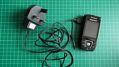 Pre-owned Samsung Fun Club SGH-E390 Mobile Phone including Charger - GC!