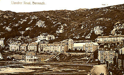 MERIONETHSHIRE -1919 RP postcard of Llanaber Road, Barmouth, Wales