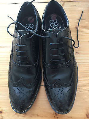 Men's leather shoes size UK 9 (brogues design)