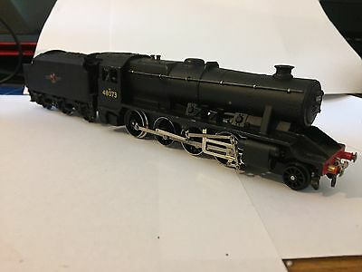 Hornby Dublo 2224 LMR 2-8-0 8F locomotive and tender 48073