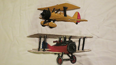 VINTAGE HOMCO 1975 WW1 Airplanes Red & Yellow Made in USA - SET OF 2 - (lot 4)