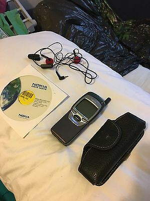 Nokia 7110 Mobile Phone With Cd And Charger