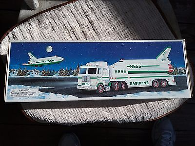 New 1999 Hess Toy Truck and Space Shuttle with Satellite, NIB Unopened MINT COND