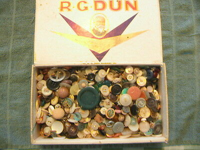 Over 2 Lbs Vintage Sewing Buttons In Cigar Box Junk Drawer Lot