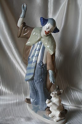 Hand Made in Spain Clown with Puppy Figurines Porcelain By LLADRO Daisa 1989