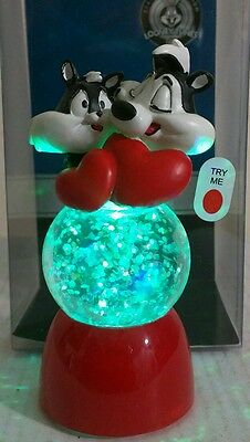 """Looney Tunes """"Pepe le pew & Penelope"""" color changing mini snow globe NEW"""