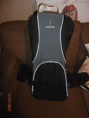 Little life Traveller baby carrier with protective bag